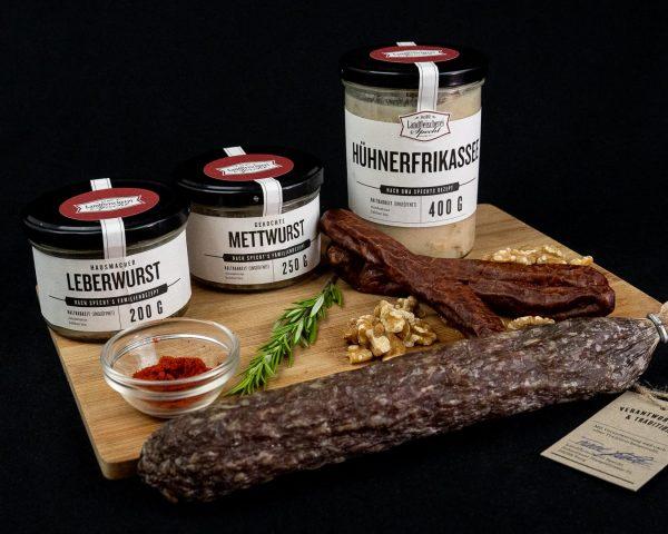 Probierbox aus Hausmacher Wurst, Hühnerfrikassee und Salami